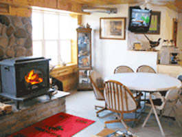 Hunting Preserve Lodge Riverside IA